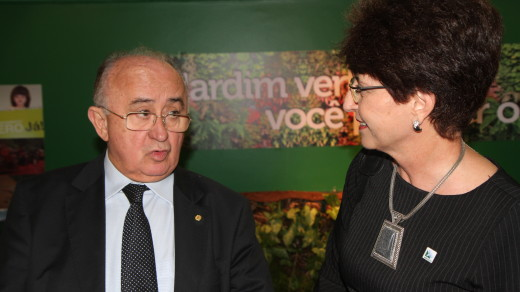 RRAF0002 | Deputado Federal Júlio César (PSD-PI) e Terezinha Sperandio, Secretária Executiva da AMUSUH
