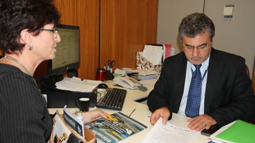 RRAF0012 | Chefe de gabinete da liderança do PMDB, Levino Cunha, e Terezinha Sperandio, Secretária Executiva da AMUSUH.