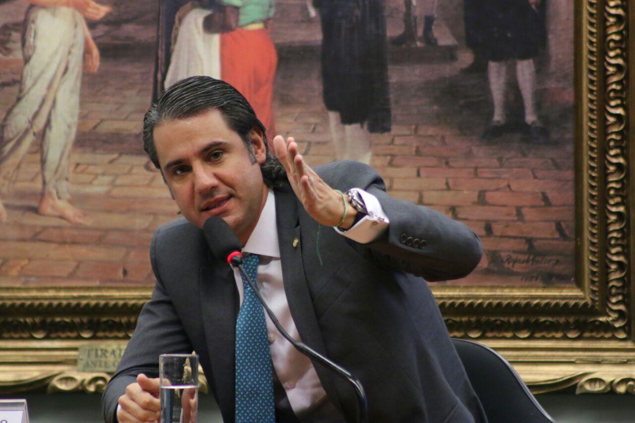 O deputado Fernando Monteiro (PP-PE) é o relator do PLP 163/2015