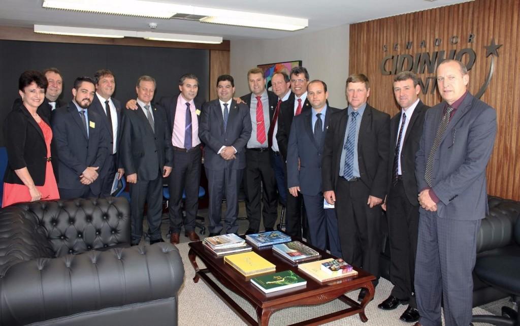 Reunião com o senador Cidinho Santos